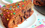 Простой торт с клубничным вареньем