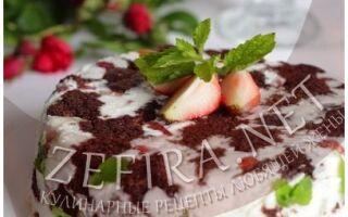 Шоколадный торт с клубникой в желе