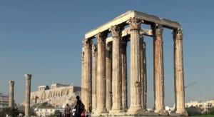 Храм Зевса в Афинах на фоне Акрополя