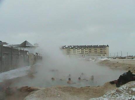 Бассейн с термальной водой в Счастливцево